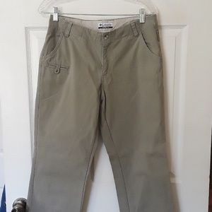Columbia Sz 6 100% cotton kacki pants